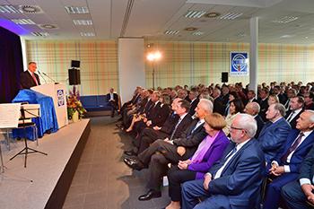 Begrüßung der Gäste zum 25jährigen Jubiläum durch den geschäftsführenden Gesellschafter Prof. Dr. Hans J. Naumann