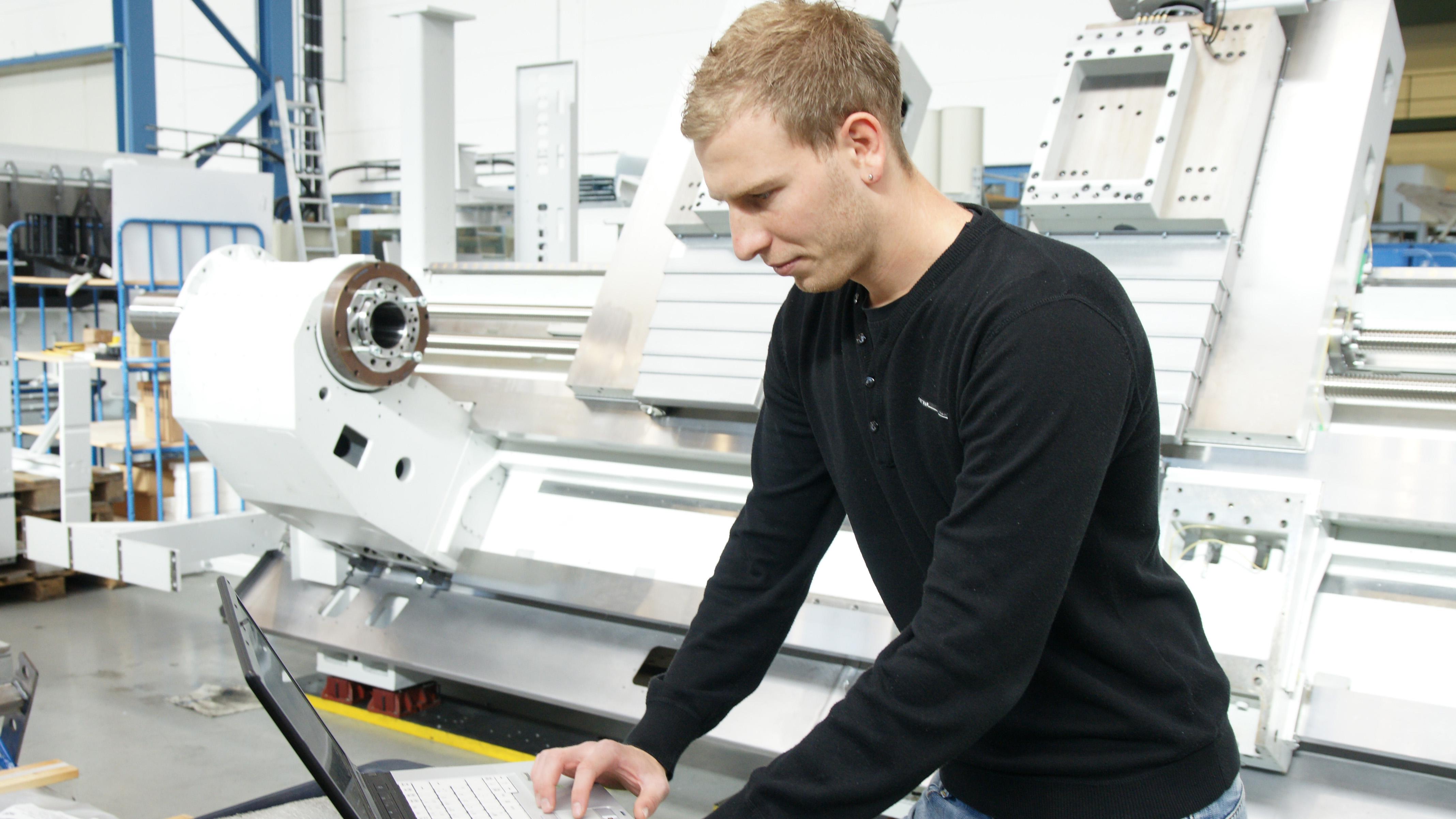 Werkzeugmaschinen Service: Schulung-Programmierung / Machine tool service: Training-Programming / станков Сервис: ИНСТРУКТАЖ ПРОГРАММИСТОВ